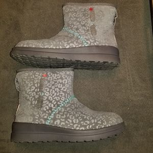 I Heart Ugg by Ugg Leopard Print Boot size 8